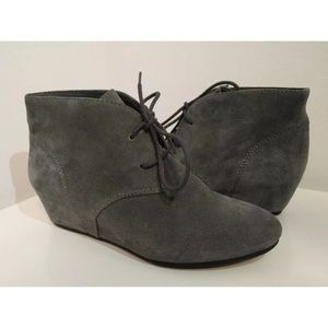 5b88b6f1bd69 Nine West Shoes - Nine West Joanis Grey Suede Lace Up Booties 7.5